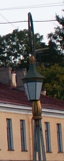 Где стоит фонарь?