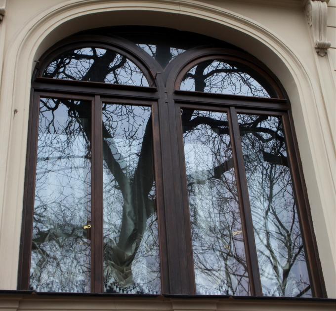Чье окно?