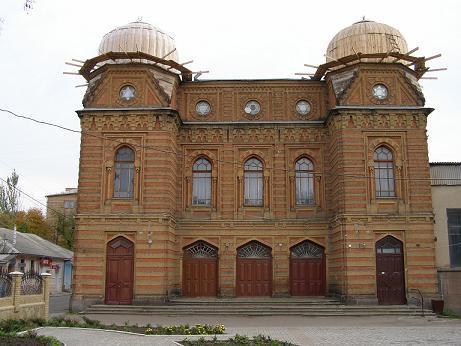 Это первая крупная постройка Петербургского архитектора