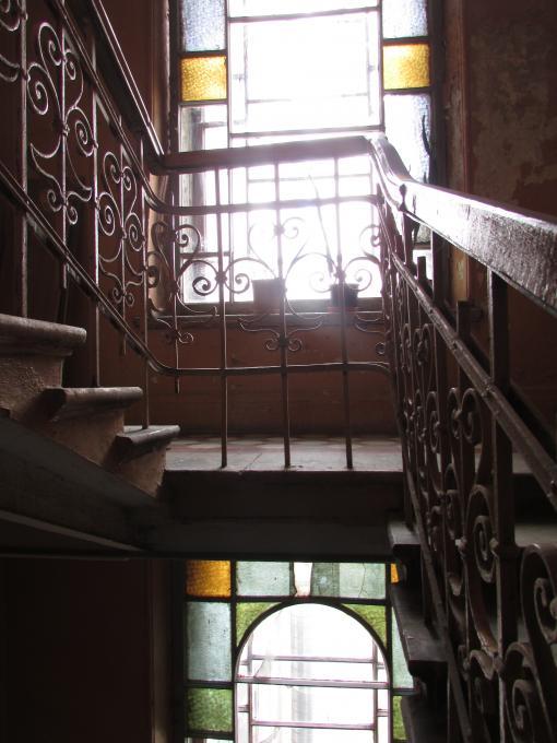 Старинных лестниц кружева...где?