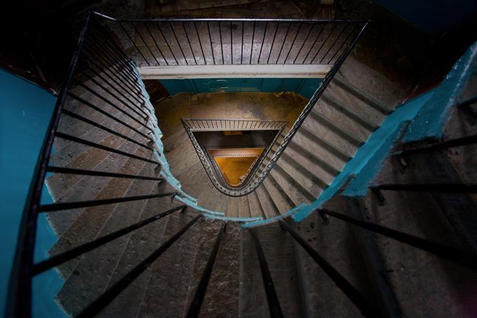 Где находится такая лестница?