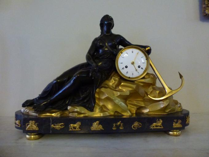 Где часы со знаками Зодиака
