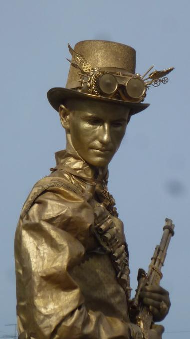 Где и когда эту временную статую можно было увидеть?