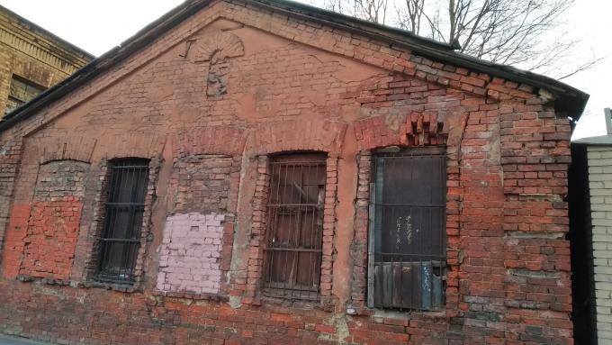 Заброшенное здание.