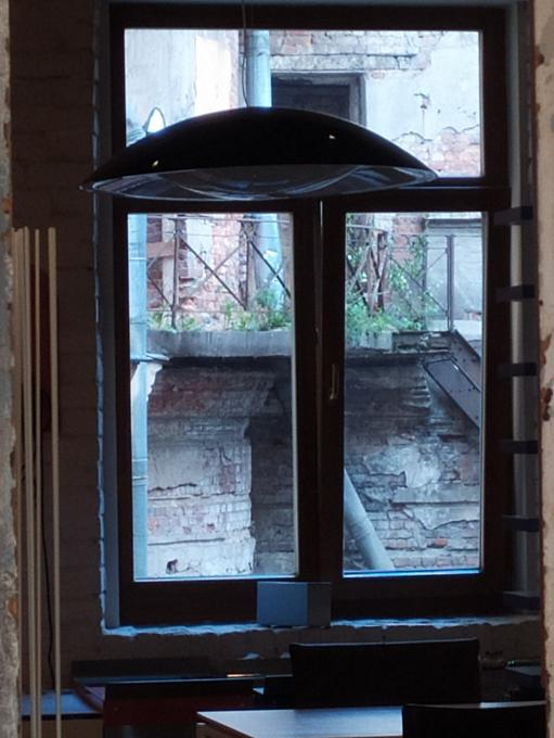 Вот опять окно...